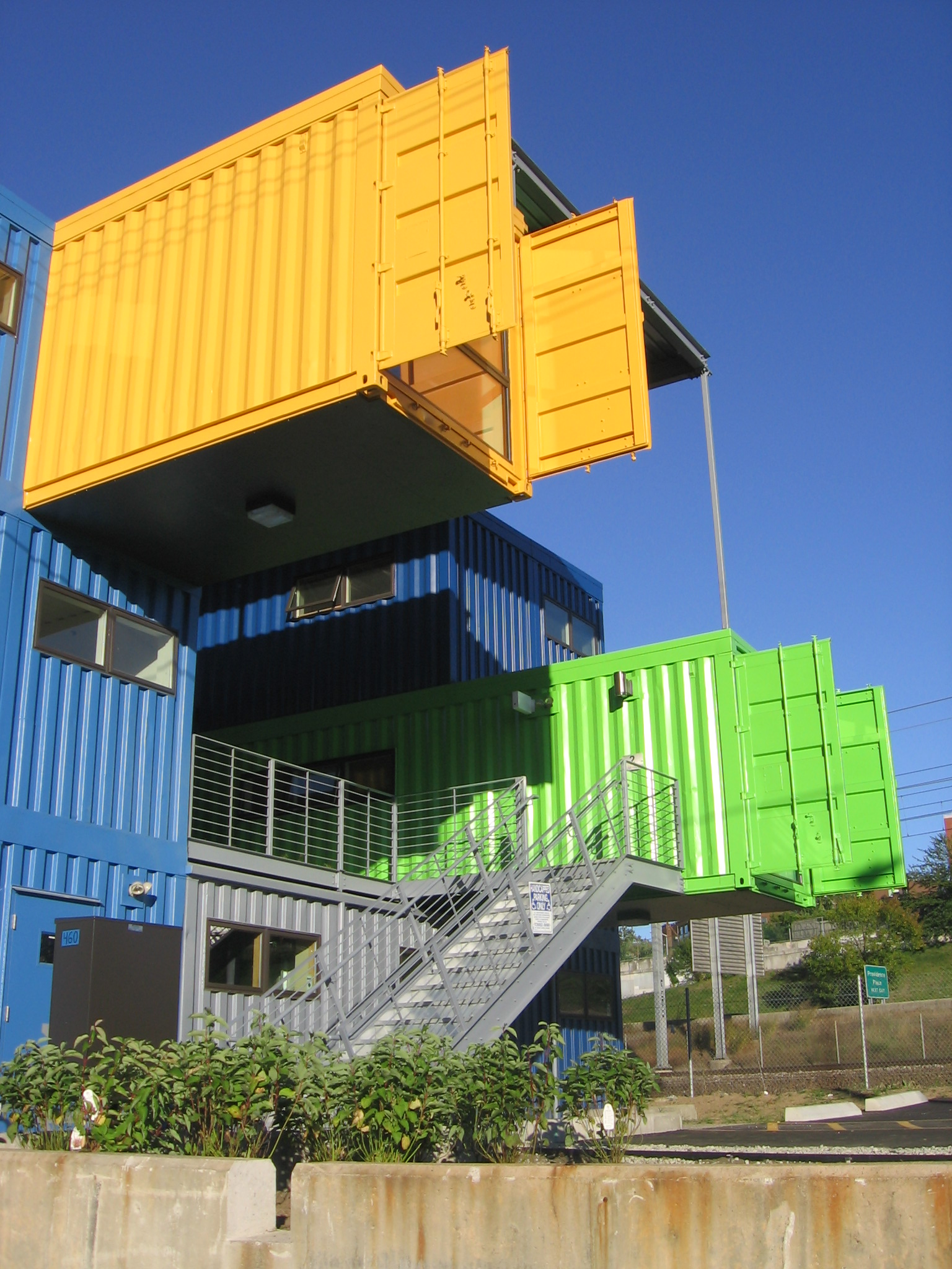 Shipping containers and their many uses in australia for Architecture container